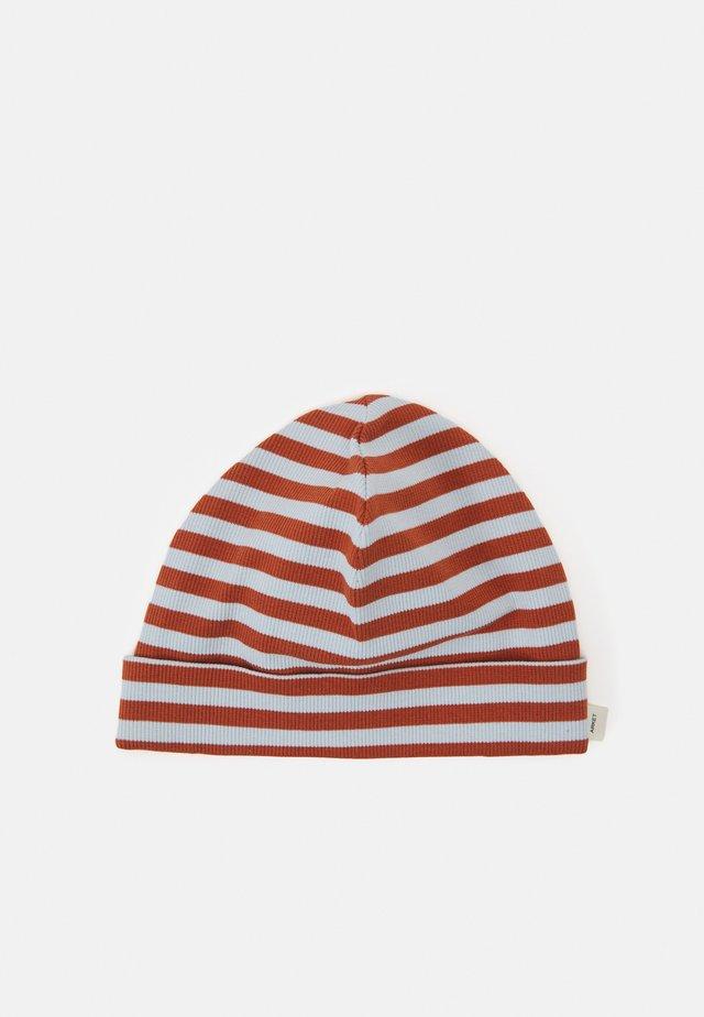 BEANIE - Mütze - rust