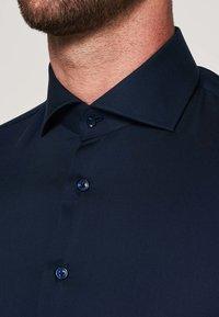 PROFUOMO - SLIM FIT - Formal shirt - navy - 2