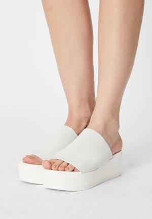 SLINKY - Heeled mules - white