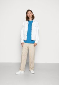 Weekday - ROSS WIDE TROUSERS - Chino - beige - 1