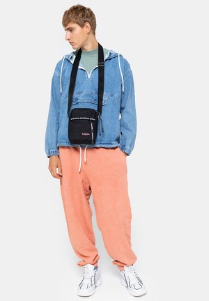 Across body bag - boldpullerblack