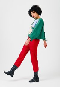 Solai - ABSTRACT FACES  - Light jacket - evergreen - 3