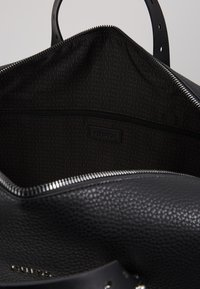 Guess - DAN - Weekend bag - black - 5