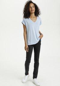 Kaffe - LISE - T-shirt basic - chambray blue - 1