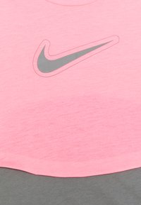 Nike Performance - DRY TROPHY  - Camiseta estampada - sunset pulse/smoke grey - 2