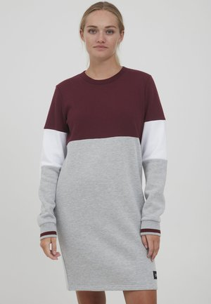 SWEAT OMILA - Jersey dress - wine red