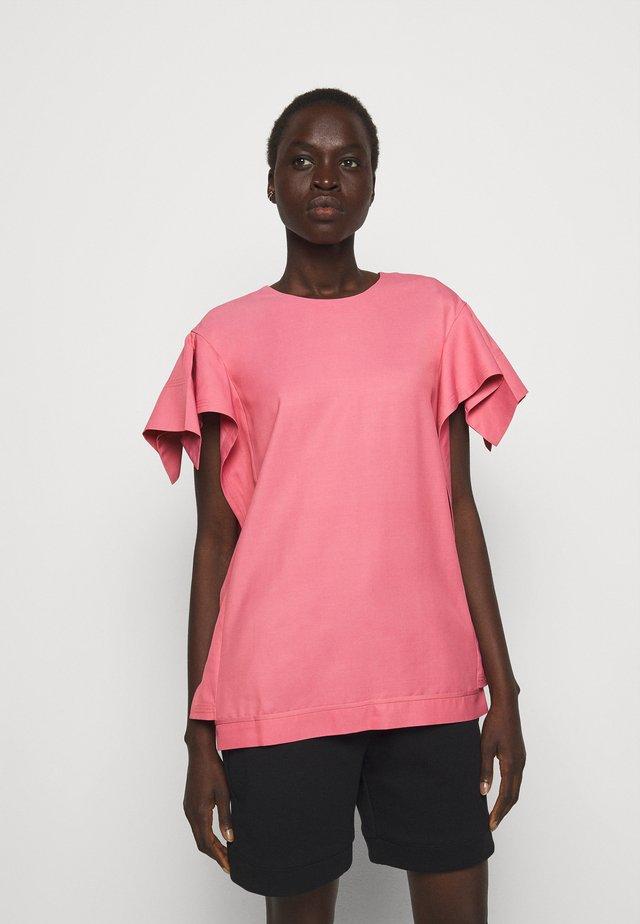 ORIGAMI SLEEVES - Basic T-shirt - rosa pink