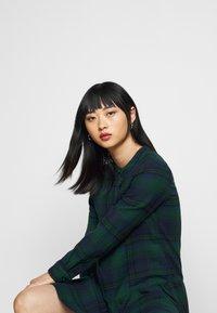 GAP Petite - Shirt dress - blackwatch - 3