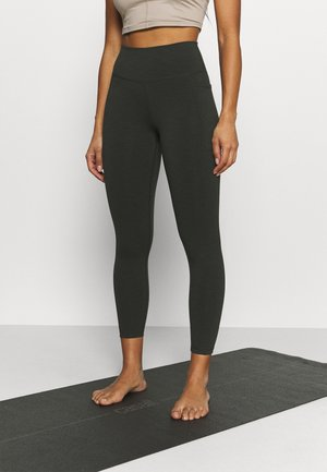 SUPER SCULPT 7/8 YOGA LEGGINGS - Medias - dark forest green