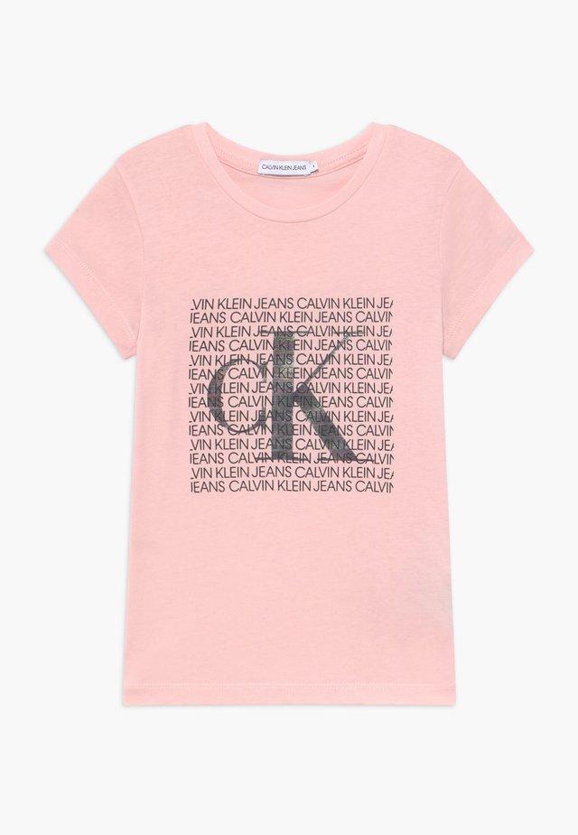 IRIDESCENT LOGO - Print T-shirt - pink