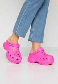 Crocs - CLASSIC BAE  - Heeled mules - electric pink - 0