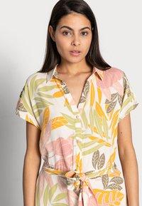 Saint Tropez - GABY DRESS - Shirt dress - birch botanic - 3