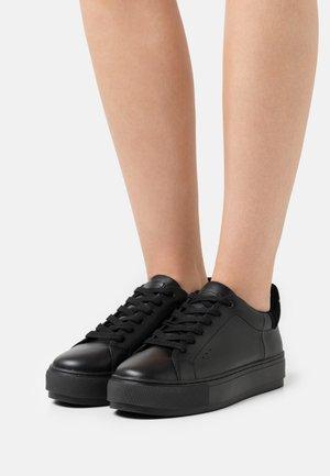 LANEY - Sneakersy niskie - black