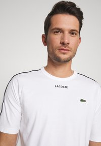Lacoste - Print T-shirt - weiss - 3
