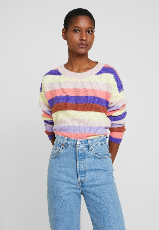 RELAXED CREW STRIPE - Sweter - purple