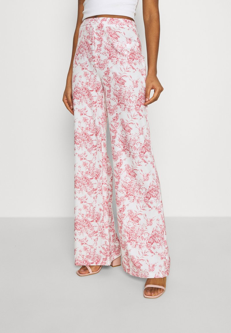 Missguided - PRINTED WIDE LEG TROUSER - Trousers - white