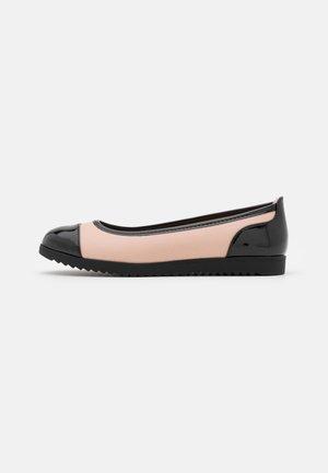 Ballerinasko - black/light pink