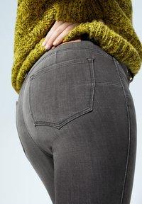Violeta by Mango - IRENE - Slim fit jeans - denim grau - 4