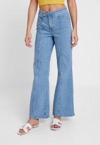 Miss Selfridge - FRONT SEAM - Flared Jeans - mid blue - 0