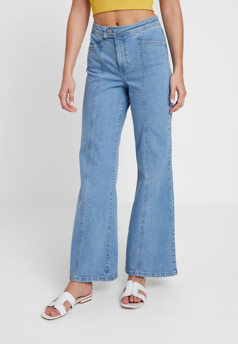 Miss Selfridge - FRONT SEAM - Flared Jeans - mid blue