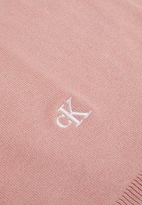 Calvin Klein Jeans - MONOGRAM SCARF UNISEX - Sjaal - pink - 2