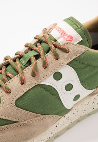 Saucony - JAZZ ORIGINAL OUTDOOR - Sneaker low - brown/green - 5