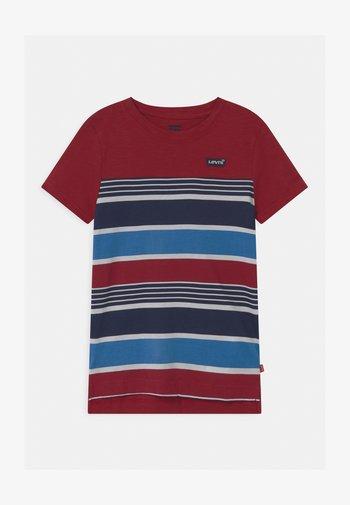 HIGH LOW HEM UNISEX - T-shirt imprimé - biking red