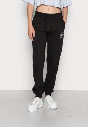 SLIM BOX FLAG PANT - Teplákové kalhoty - black