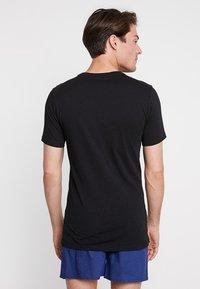 Lacoste - SLIM FIT TEE 3 PACK - Undershirt - black/mottled grey/white - 2