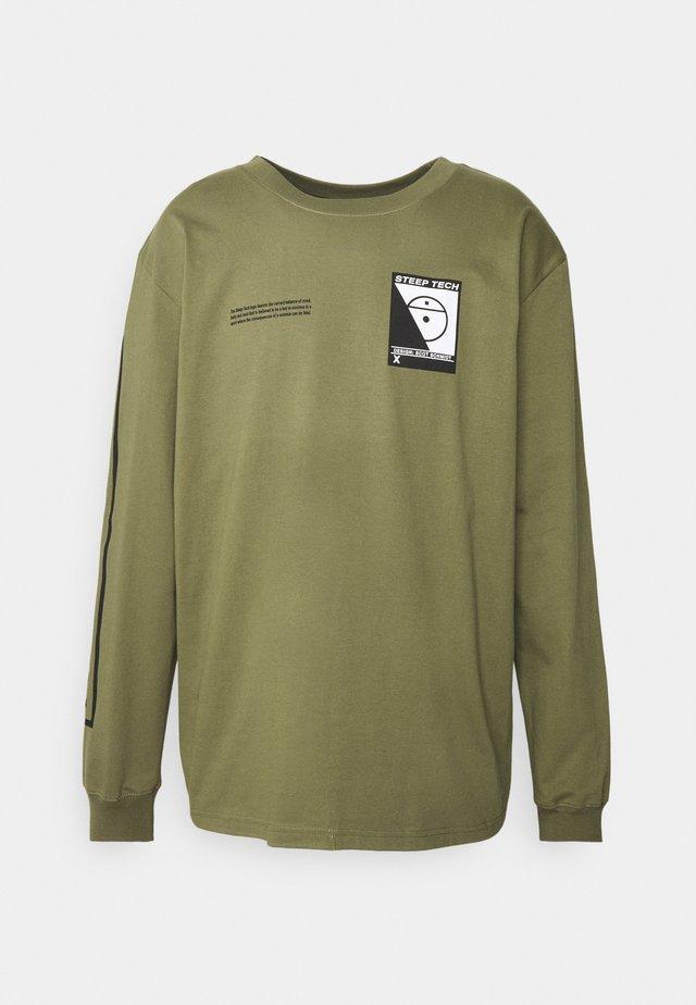STEEP TECH TEE UNISEX - Langærmede T-shirts - burnt olive green