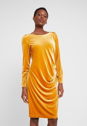 KELLY DRESS - Vestido de cóctel - buckthorn