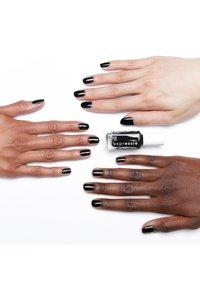 Essie - EXPRESSIE - Nail polish - 380 now or never - 1