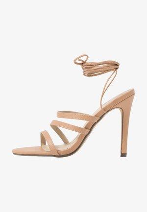 HARTLEY - Sandály na vysokém podpatku - nude