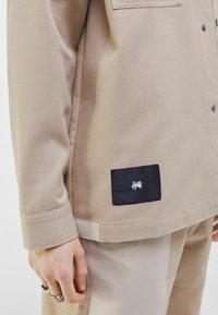 Bershka - Summer jacket - light grey - 3