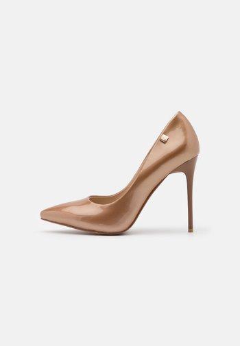 Classic heels - copper