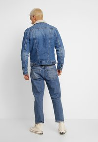 Wrangler - SHERPA - Light jacket - blue denim - 2