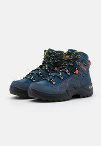 Lowa - KODY III GTX MID JUNIOR UNISEX - Hiking shoes - blau - 1