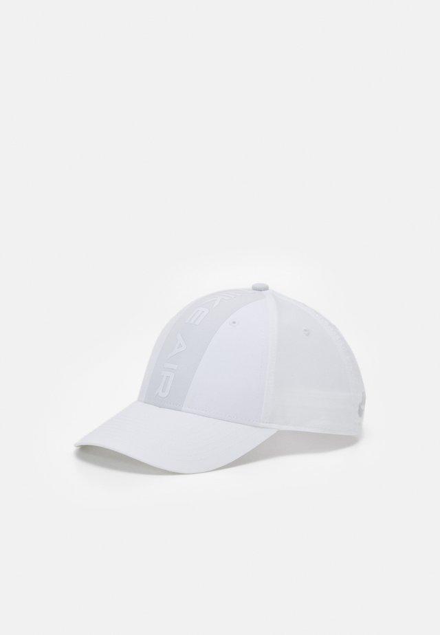 AIR UNISEX - Casquette - white