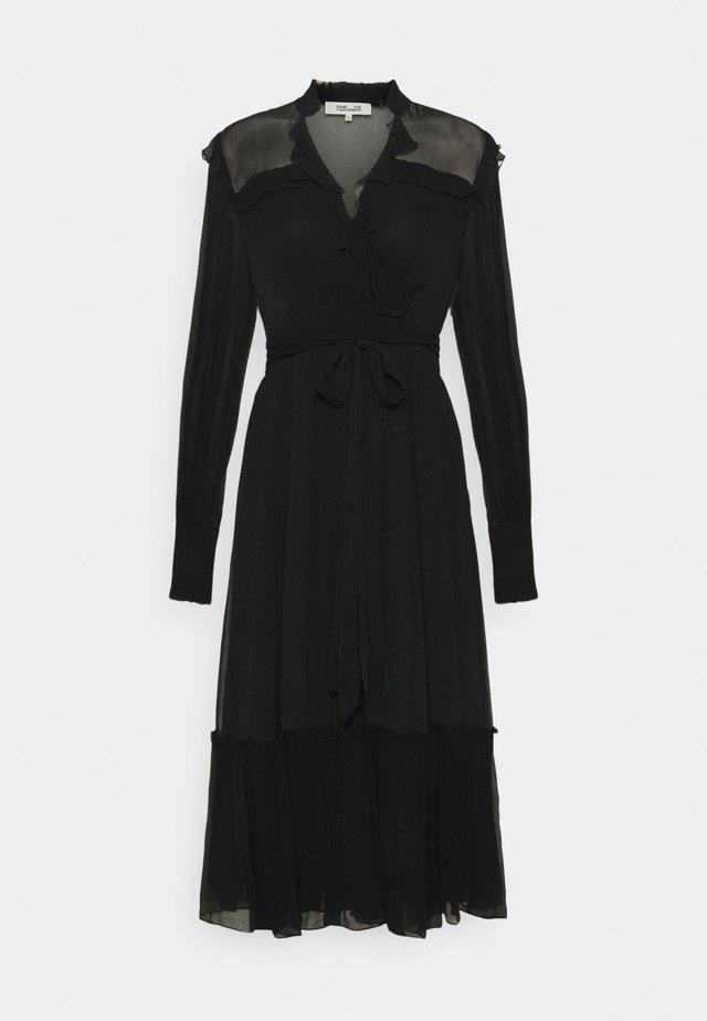 MEREDITH - Korte jurk - black