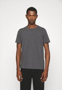 Filippa K - TEE - T-shirt basic - metal - 0
