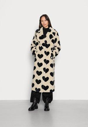 CLAIRE HEARTS - Cappotto invernale - black