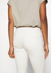 ONLY - ONLBLUSH RAW DOT - Jeans Skinny - ecru - 4