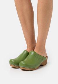 Sanita - ORIGINAL SANDRA OPEN - Clogs - green - 0