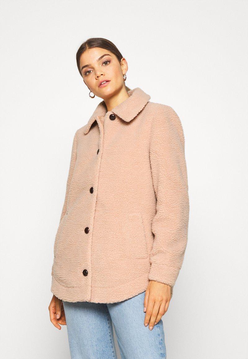 Vero Moda - VMZAPPA JACKET - Winter jacket - mahogany rose