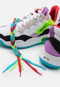 Jordan - MA2 - Baskets basses - white/university red/black/purple - 5