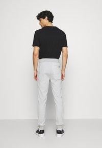 CELIO - SOJOGGY - Pantaloni sportivi - gris - 2