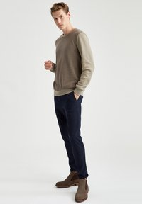 DeFacto - Sweatshirt - khaki - 1