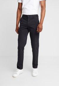 Tommy Hilfiger Tailored - PANTS - Pantalones chinos - black - 0