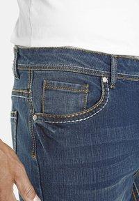 Jan Vanderstorm - TIEFBUNDJEANS JANI - Relaxed fit jeans - blau - 2