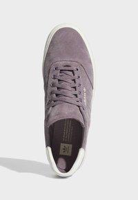 adidas Originals - 3MC SHOES - Joggesko - purple - 2